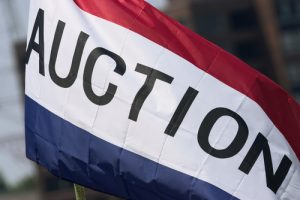 How To Bid at Auction